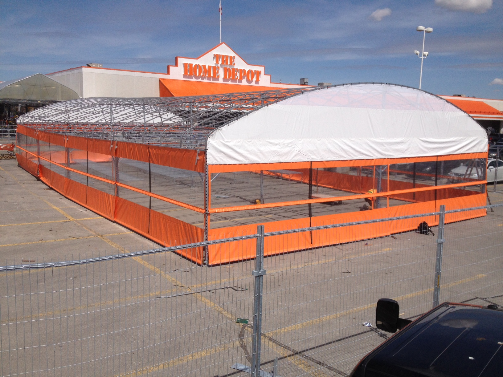 Erecting Home Depot Structure – Contour Transport Systems Inc